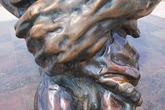 卡塔赫钠,西班牙- 2016年7月13日:纪念碑El Zulo,创造由雕刻家胜者奥乔亚 致力恐怖的受害者 免版税库存图片