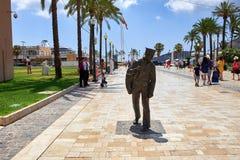卡塔赫钠,西班牙- 2016年7月13日:雕刻城镇厅正方形的水手新人在一个晴朗的夏日 库存照片