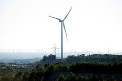 卡塔龙尼亚小山顶西班牙涡轮风 免版税库存照片
