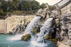 卡塞尔塔王宫喷泉 图库摄影