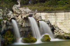 卡塞尔塔王宫,喷泉 免版税图库摄影