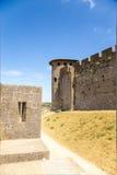 卡尔卡松,法国 堡垒的看法在防御墙壁之间两行的  联合国科教文组织名单 库存照片