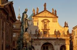 卡尔的纪念碑IV和圣Salvator教会在布拉格 图库摄影