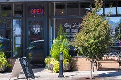 卡尔顿市在扬希尔县酒乡 免版税库存照片