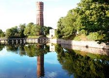 卡尔马老watertower和城市墙壁 库存照片