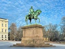 卡尔骑马雕象XIV约翰在奥斯陆在冬天,挪威 图库摄影