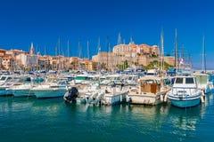 卡尔维可西嘉岛小游艇船坞  免版税图库摄影
