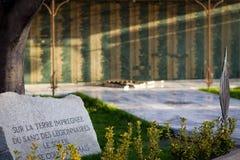 卡尔维,可西嘉岛- 2011年5月16日 以记念死,当尽职责时的军团的士兵的纪念碑 图库摄影