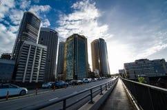 卡希尔高速公路有在日落时间的美好的都市风景视图 免版税库存照片