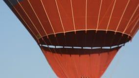 卡帕多细亚的巨大旅游胜地-迅速增加飞行 盖帽 小山,秀丽 股票视频