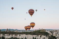 卡帕多细亚的著名旅游胜地航空小队 卡帕多细亚通认全世界作为一个最好 免版税图库摄影