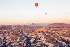 卡帕多细亚的著名旅游胜地航空小队 卡帕多细亚通认全世界作为一个最好 免版税库存照片