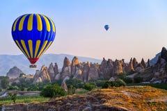 卡帕多细亚热空气气球,土耳其 免版税库存照片