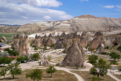 卡帕多细亚,土耳其- 2014年4月29日:谷Pasabag 谷为它巨大的石柱子, Capp一个特征知道 免版税库存图片