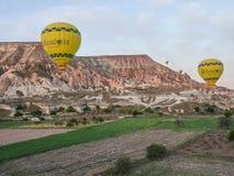 卡帕多细亚-土耳其- 2016 5月02日,在卡帕多细亚,土耳其的热空气气球 免版税库存图片