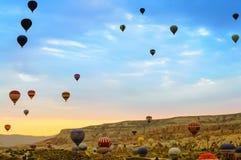 卡帕多细亚-气球 免版税库存图片