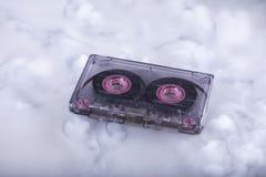 卡式磁带减速火箭的磁带 概念性摄影声音云彩 免版税图库摄影