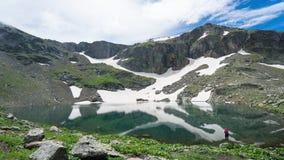 卡拉克染黑吉雷松东部黑海山的湖 免版税库存图片