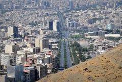 卡拉季伊朗市都市地平线鸟瞰图 免版税图库摄影