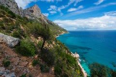 卡拉市Goloritze海滩在冬天,撒丁岛,意大利 库存照片
