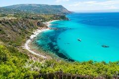 卡拉布里亚,意大利的美好的海岸线 品柱Vaticano 免版税库存照片