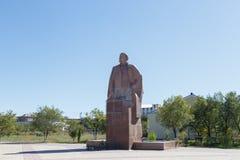 卡拉干达,哈萨克斯坦- 2016年9月1日:纪念碑VI列宁 库存照片