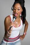 卡拉OK演唱歌唱家 库存照片