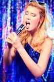 卡拉OK演唱歌曲 免版税库存照片