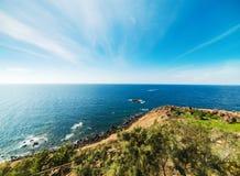 卡斯泰尔萨尔多海岸线在一个晴天 免版税库存图片
