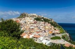 卡斯泰尔萨尔多,一个历史镇在撒丁岛,意大利 免版税图库摄影