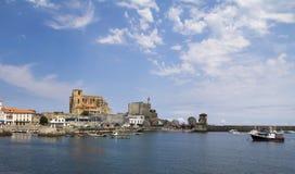 卡斯特罗-乌尔迪亚莱斯镇,西班牙 免版税库存图片