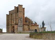 卡斯特罗Urdiales。教会 库存图片