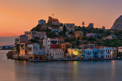 卡斯特龙岛日出, dodecanese的希腊海岛 免版税库存图片