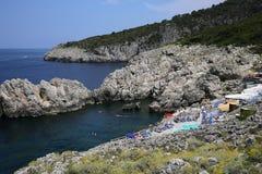 卡普里岛,卡普里岛海岛,意大利峭壁  免版税库存照片