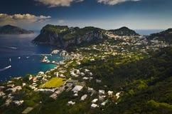 卡普里岛,意大利海岛的鸟瞰图,从Phoenecian步和阿纳卡普里。 库存照片
