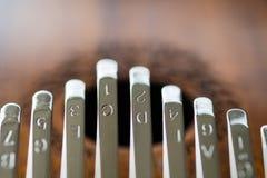 卡林巴,非洲传统木撞击声乐器的关闭 免版税图库摄影