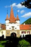 卡泰琳娜门在老镇 在镇布拉索夫(Kronstadt)环境美化,在Transilvania 库存照片