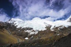 卡片在中国西藏的Rola冰川 免版税库存照片