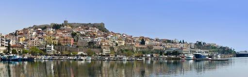 卡瓦拉,希腊古镇的全景  免版税库存图片