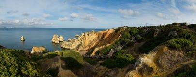 卡米洛海滩在拉各斯,阿尔加威 葡萄牙 库存照片