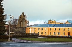卡累利阿 对列宁的纪念碑在市彼得罗扎沃茨克 2017年11月14日 免版税库存照片