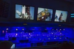 卡纳维尔角, 2014年11月1th日, :美国航空航天局的控制站显示控制盘区、读秒时钟和通信dev 库存照片