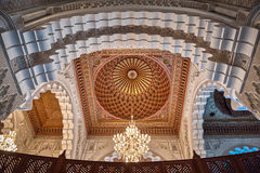 卡萨布兰卡哈桑ii内部摩洛哥清真寺穹顶 库存照片