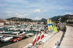 卡西斯港口,卡西斯法国2012年8月13日 免版税库存照片