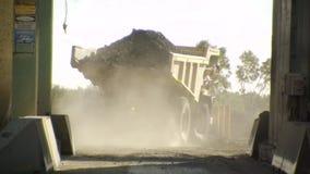 卡车充满石渣 股票视频
