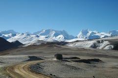 卡车在尼泊尔,喜马拉雅山 库存图片
