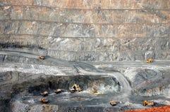 卡车在超级坑金矿澳洲 图库摄影