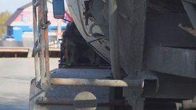 卡车搅拌器 搅拌器的转动的机制 股票录像