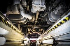 卡车维修服务讨论会检验沟槽 库存图片