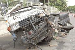 卡车被撞了,直到它被拆毁了 免版税库存图片